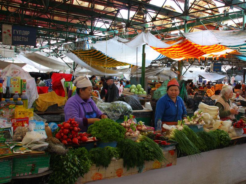 Osh_Bazaar_in_Bishkek,_Kyrgyzstan