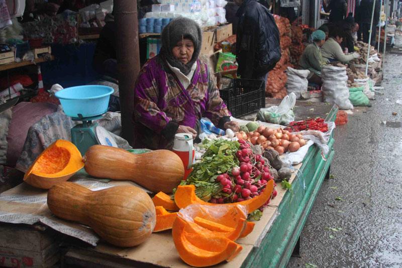 osh_bazaar11_aucajournalism