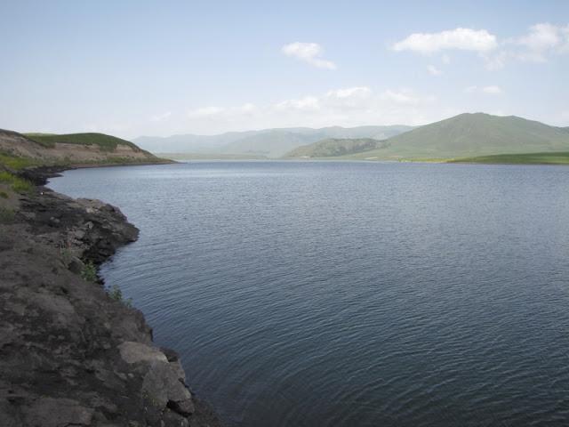 lake blue water sky aparan