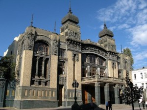 Baku-Theatre-of-Opera-and-Ballet